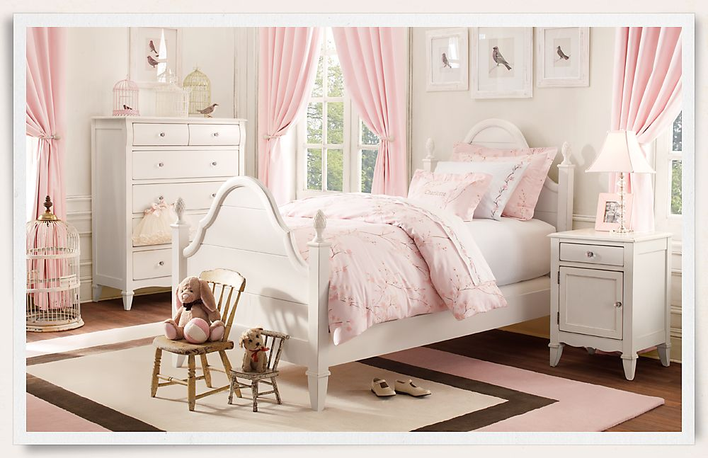 Kids Bedroom with Pink Curtains