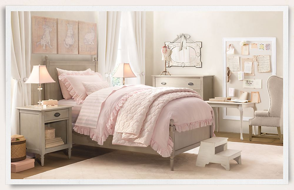 Pink Bedroom with mirror