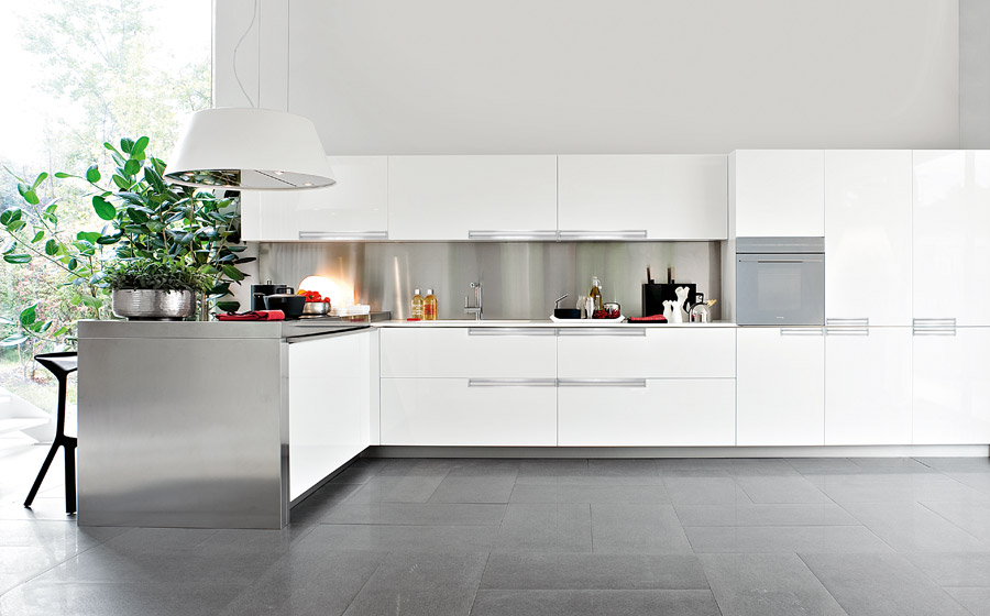 White color modern kitchen design