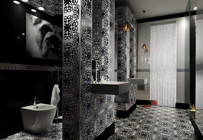 Black and White design in Bathroom