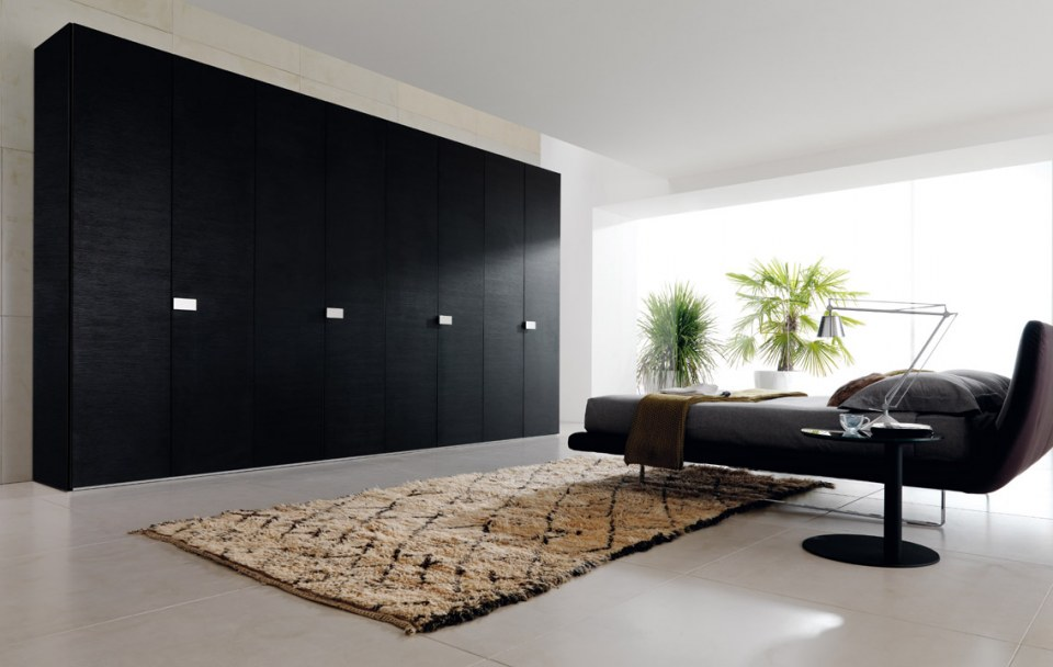 Black color closet design