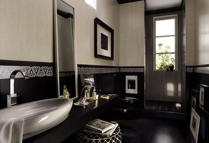 Black color sofesticated Bathroom Designs
