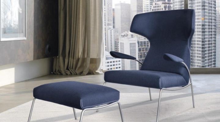 Designer armed lounge chair