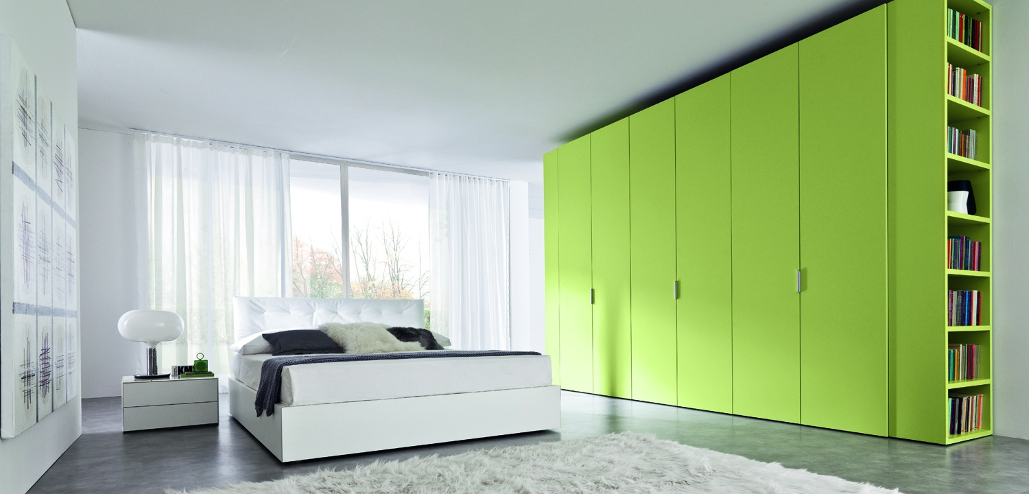 Green color closet design