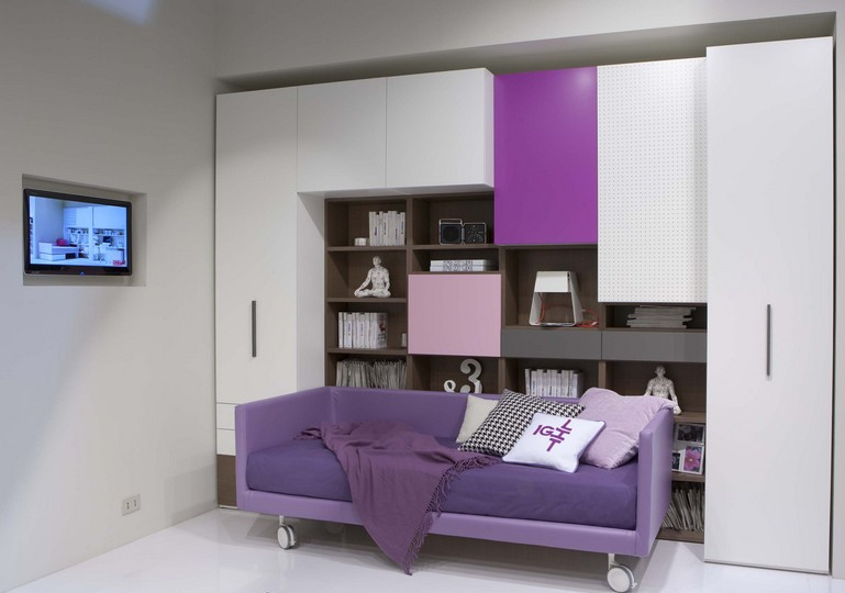 Movable purple bed for kids