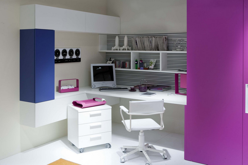 Purple themed study area for Teen Girls
