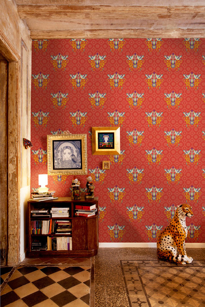 Red color wallpaper for Art Lovers