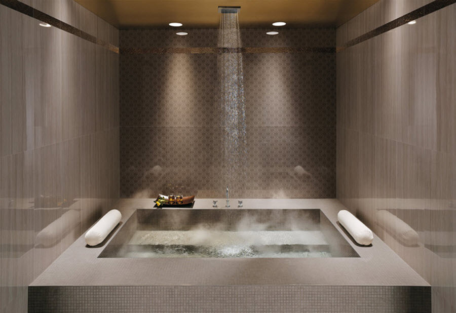 Royal style bathroom tub in bathroom