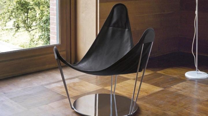 Trigular designer chair