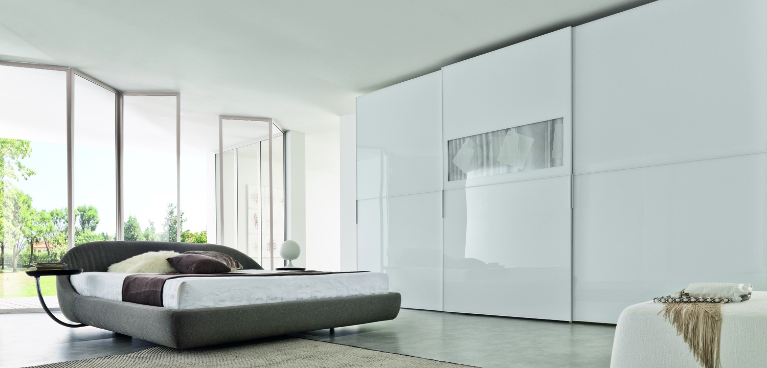 White sliding wardrobe design