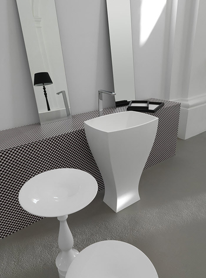 unique shaped washbasin