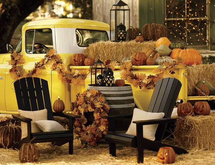 Halloween sitting area decoration