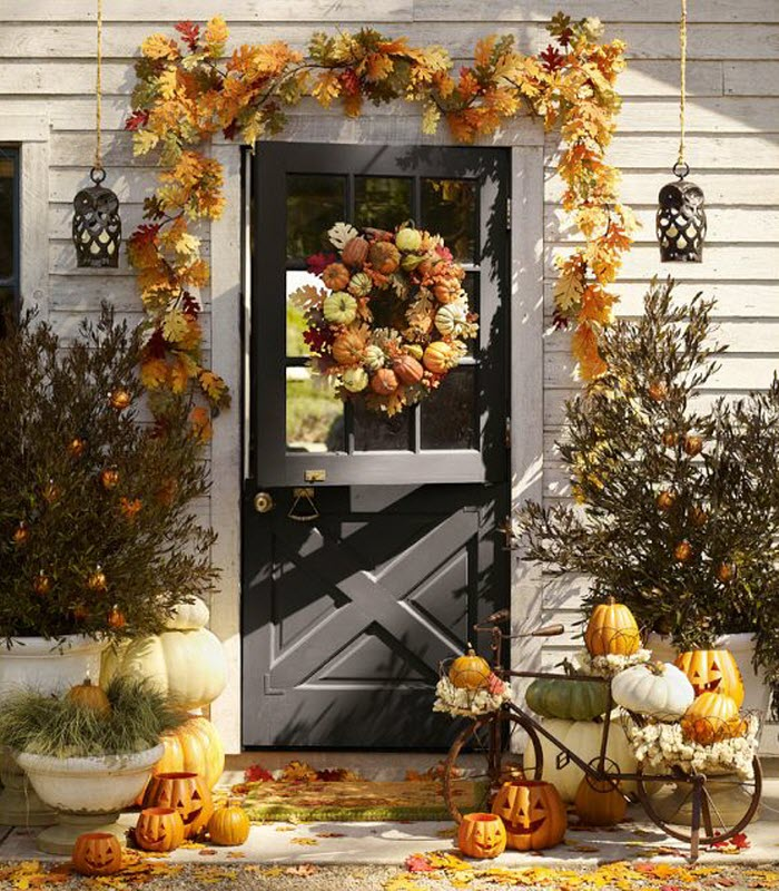 Pumpkin entrance decoration