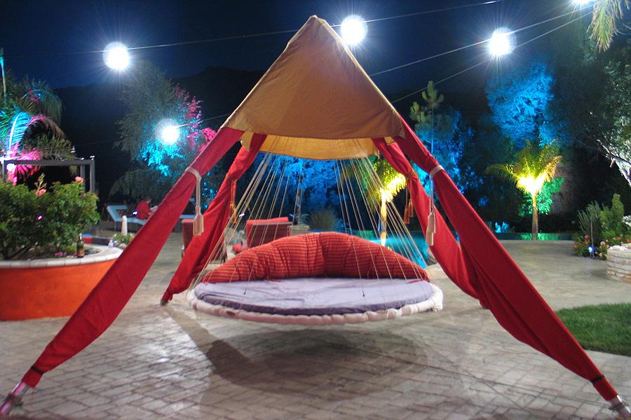 Red cloth Floating Bed Design
