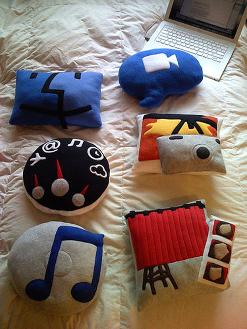 Different icon on pillows