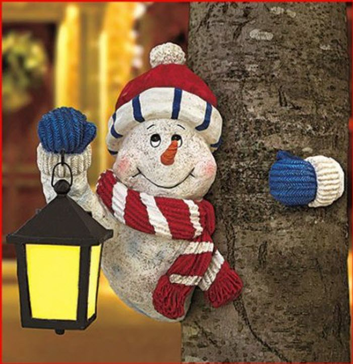 Holiday Snowman Tree Hugger For Christmas Decoration