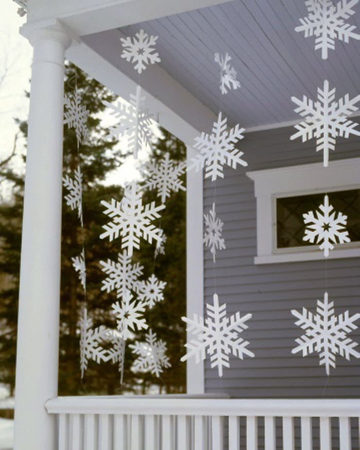 Frosty Banners for Outdoor Christmas Decoration
