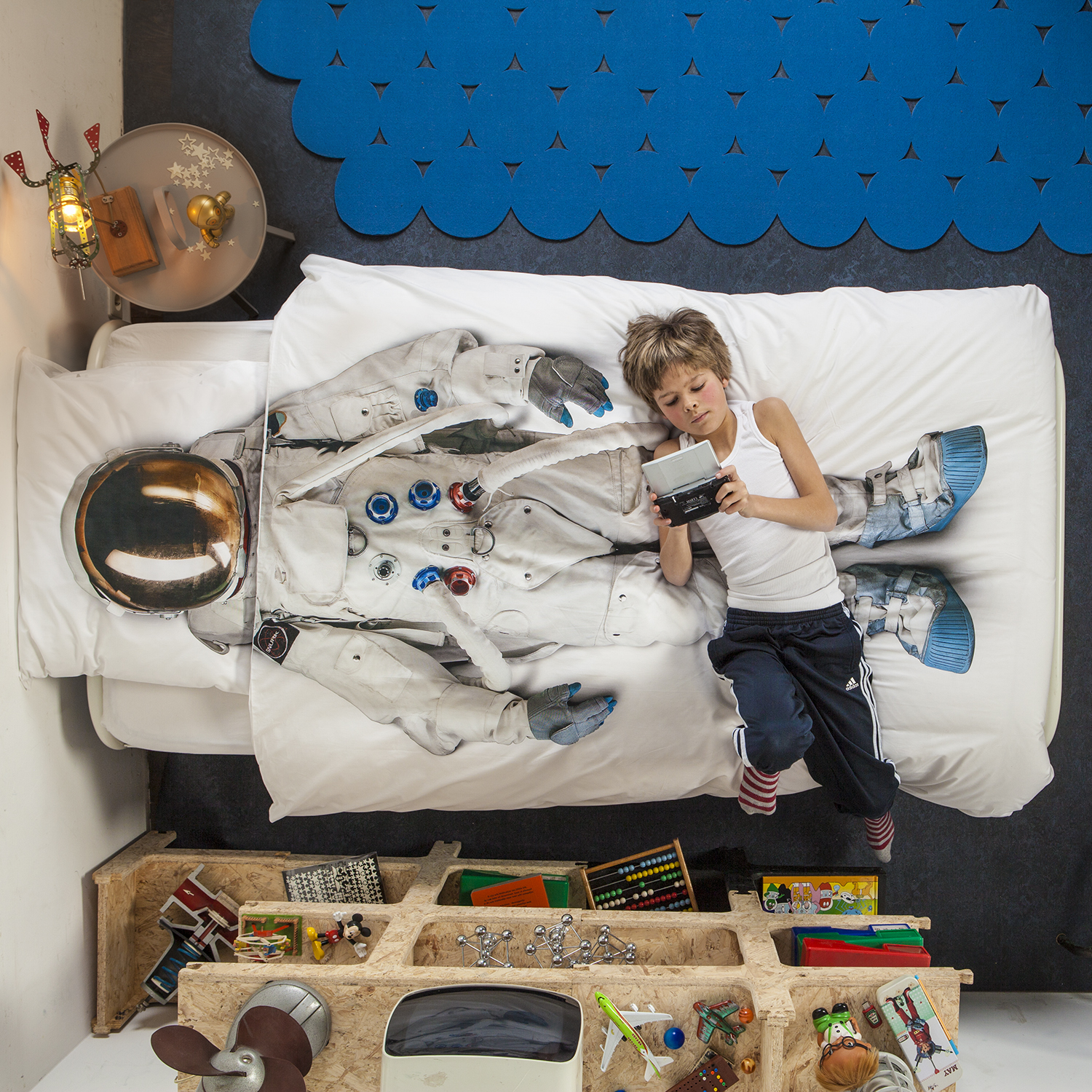 astronaut bedsheets for kids room
