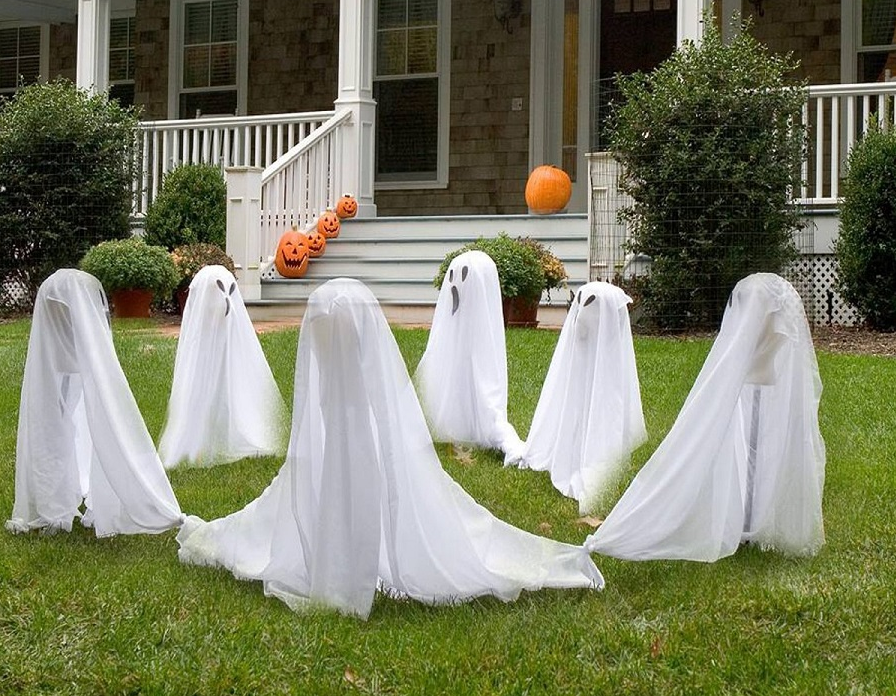 Ghostly Group Lawn Halloween Decoration