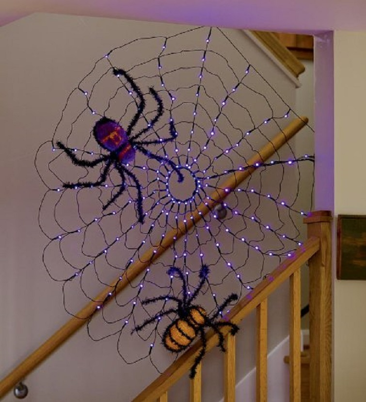 Spooky, Sparkly Spiders Halloween Decoration