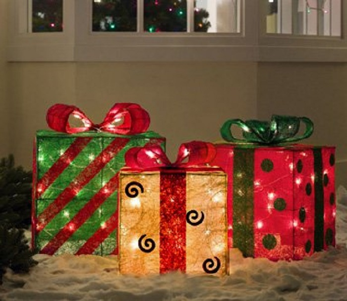 lawn christmas decor - Lighted Christmas Presents