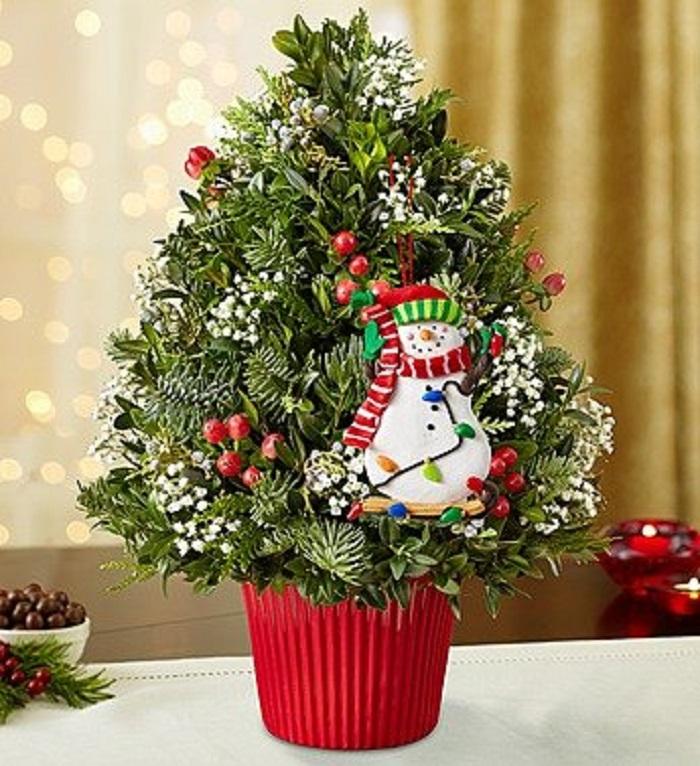 Very Berry Christmas Tree