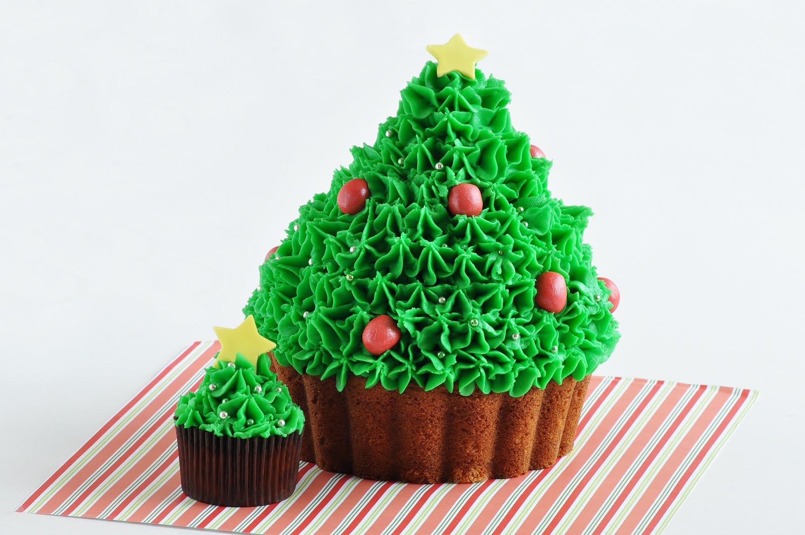 Christmas Tree Holiday Cup Cake