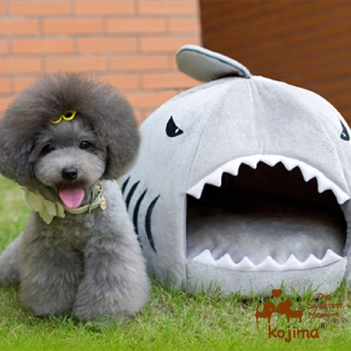 Shark Round House Pet Bed with Pet Bed Mat