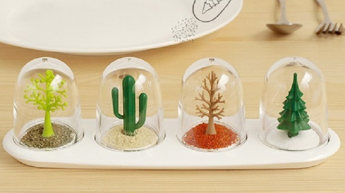 Unique Four Seasons Spice Shakers