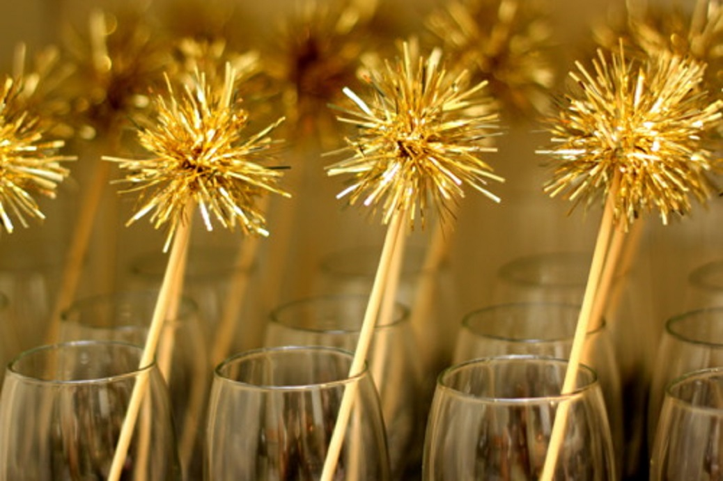 Make Sparky Tinsel Drink Stirrers
