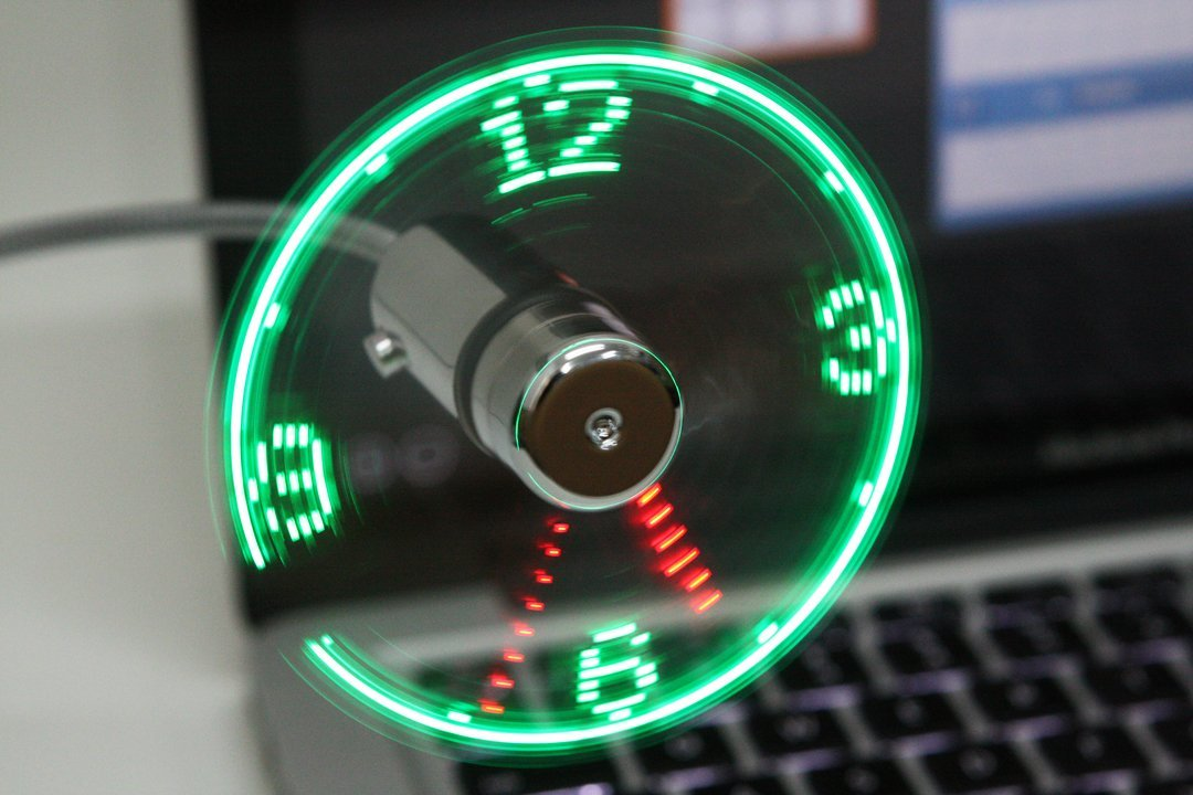 USB LED Fan Clock for Computers and Laptops