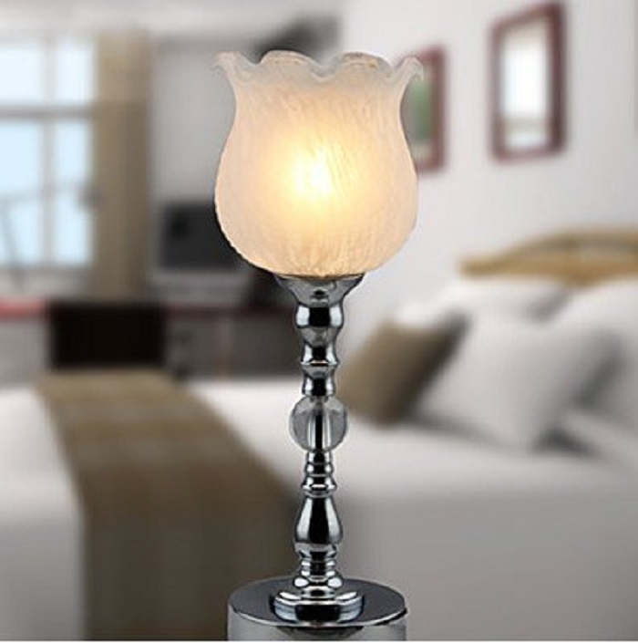 Elegant Table Lamp in Floral Shade