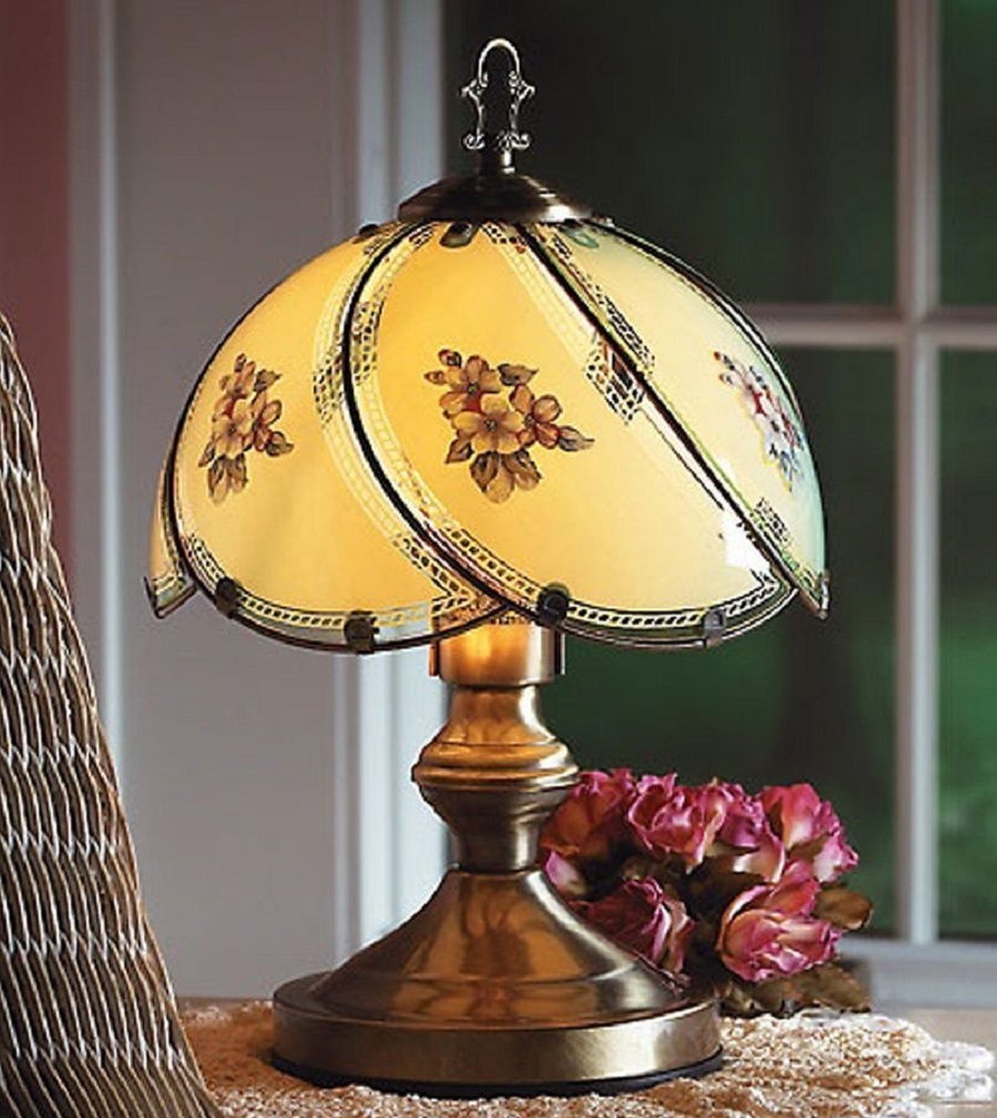 Floral Touch Table Lamp