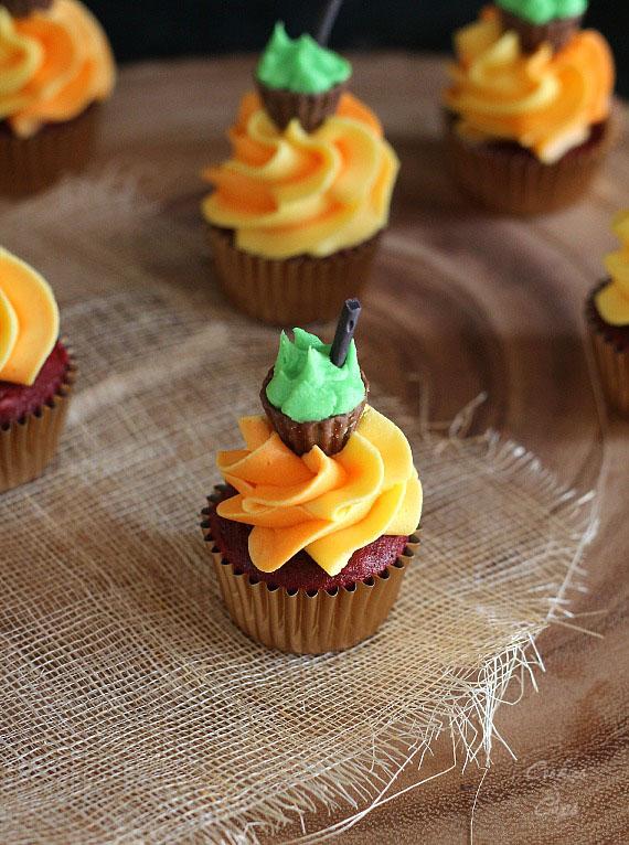 Halloween cauldron cupcake