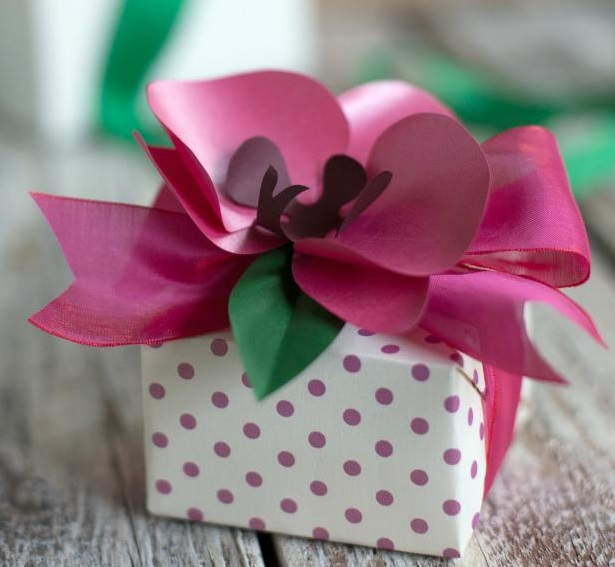 Paper Orchid Flower Gift Topper