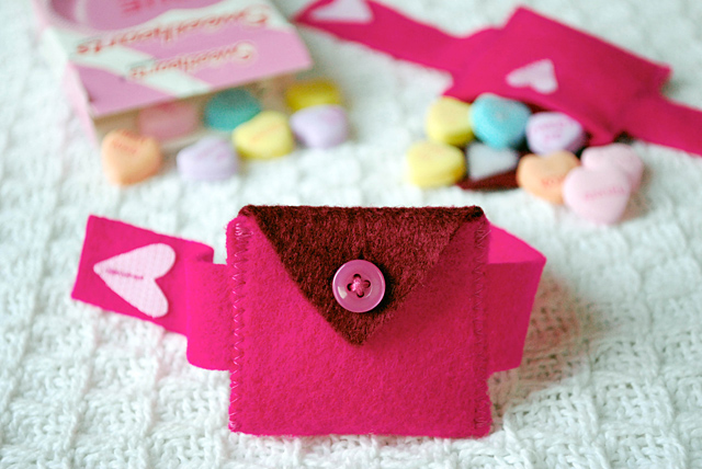 Valentines day felt Heart Pocket