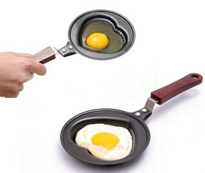 Love Omelette Pan