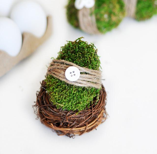 Moss Easter Eggs
