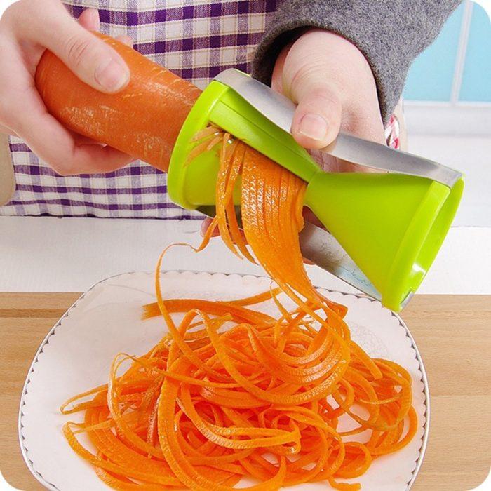 Green Vegetable Spiral Slicer