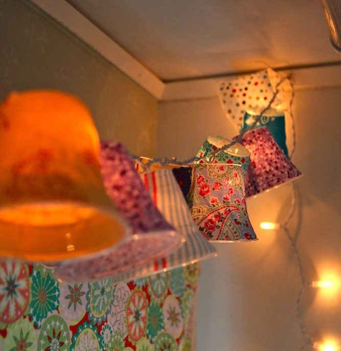 Light Chain with Lampshades
