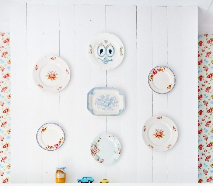 Floral Plates Deor On The Wall