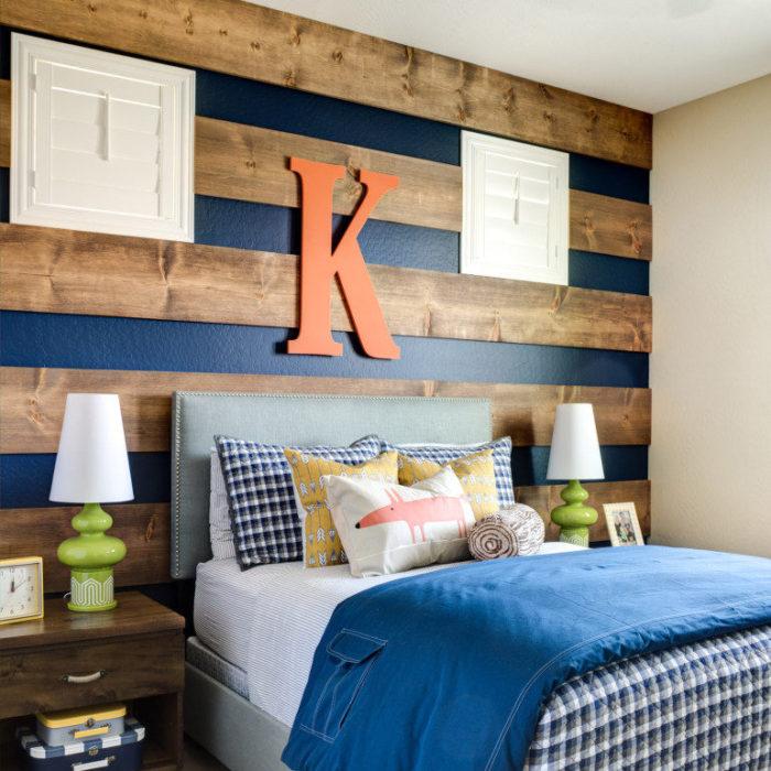 Reclaimed Plank Wood Wall