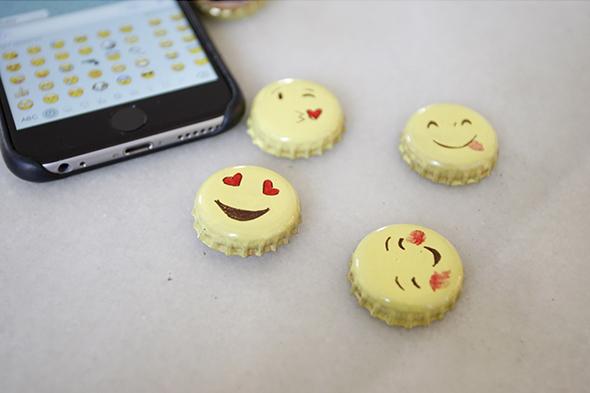 Bottle Cap Emoji Present Faces