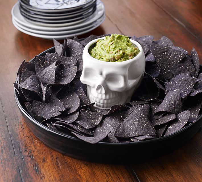 halloween-skull-chip-and-dip