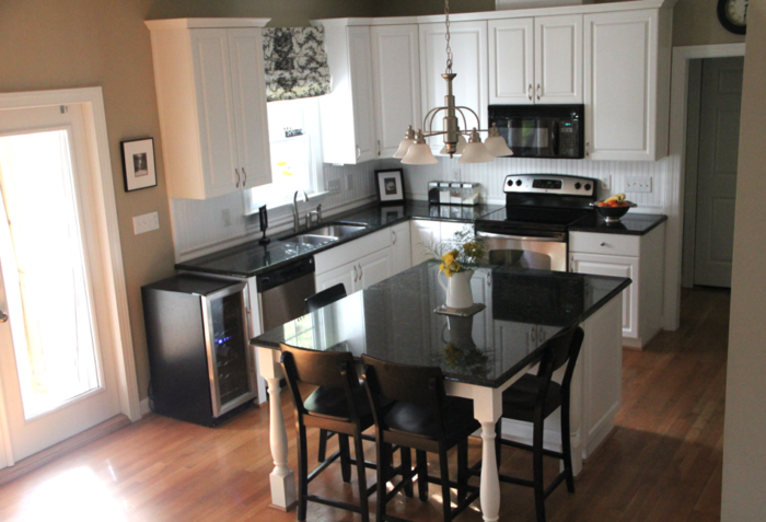 Black & White Kitchen Redo