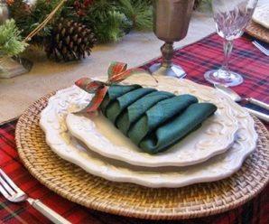 DIY Christmas Tree Napkins for Holiday Dinner