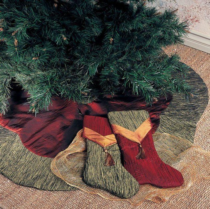 Crushed Tissue Christmas Tree Skirt