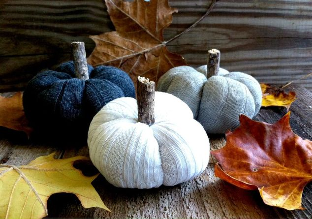 DIY Sock Pumpkins