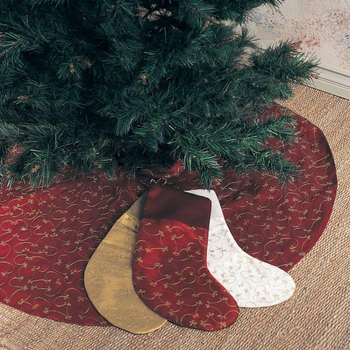 Gold Embroidery Burgundy Christmas Tree Skirt