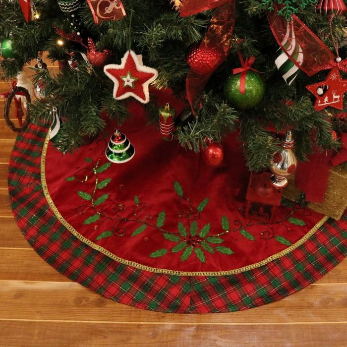 Holly Leaves Pattern Christmas Tree Skirt